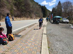 よかった〜ここで40分待ちぼうけも辛かったから、早めに来てくれてよかったと思っていた63km地点